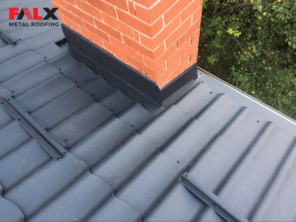 details-black-metal-roof-2