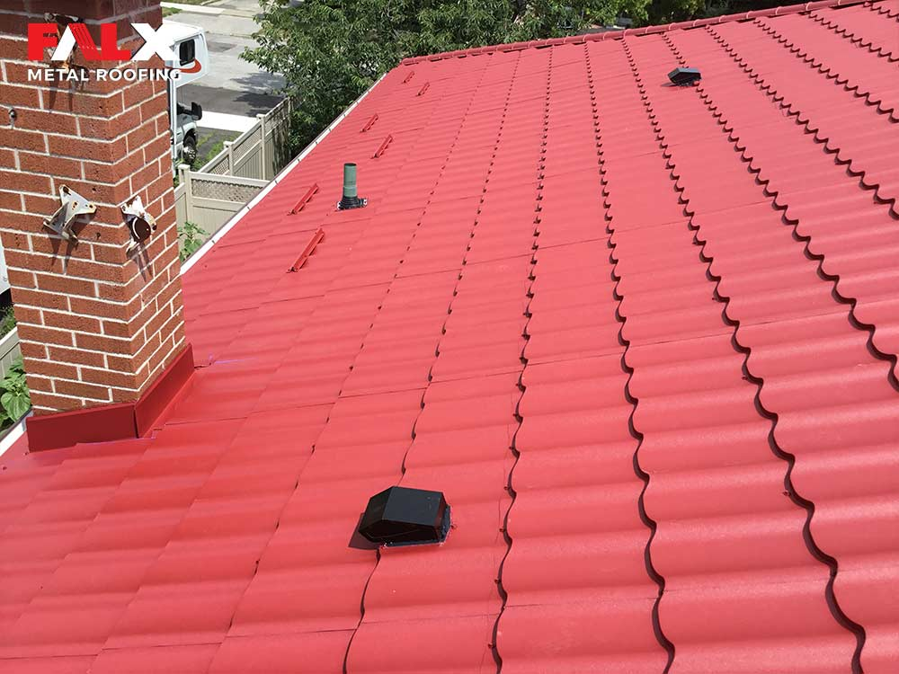 red-metal-roof-detail-2