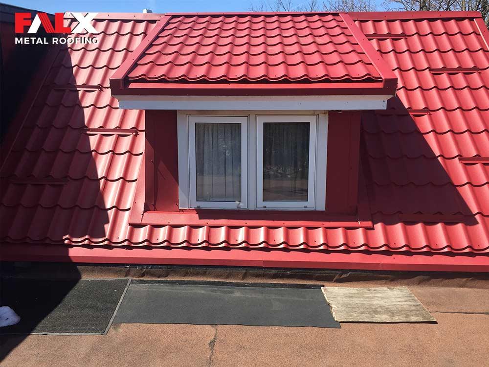 red-metal-roof-detail-4